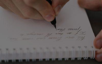 ¿Escribir a mano o escribir en computadora?